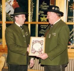 Der neue Vorsitzende Erich Hartl (links) und Ehrenvorstand Ludwig Wanner