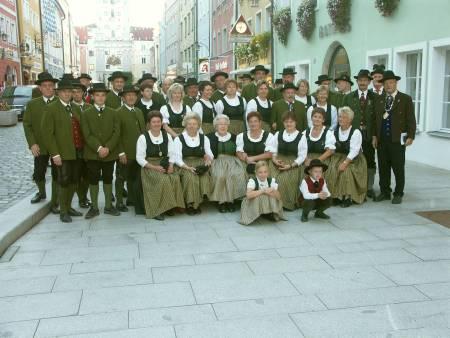 Gruppenfoto vorm Rathaus in Vilshofen 2006